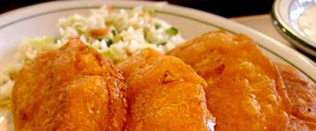 pasteles fritos, comida tipica de el salvador