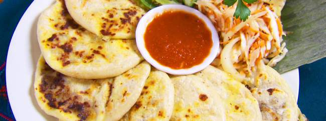 pupusas, comida tipica de el salvador
