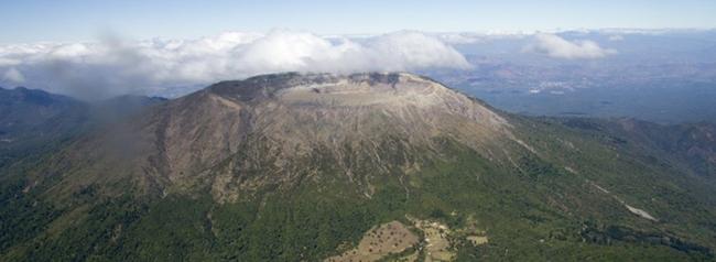 volcan de santa ana, lugar turistico de el salvador